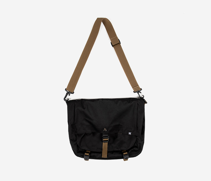 NOMAD CROSS BAG - BLACK brownbreath