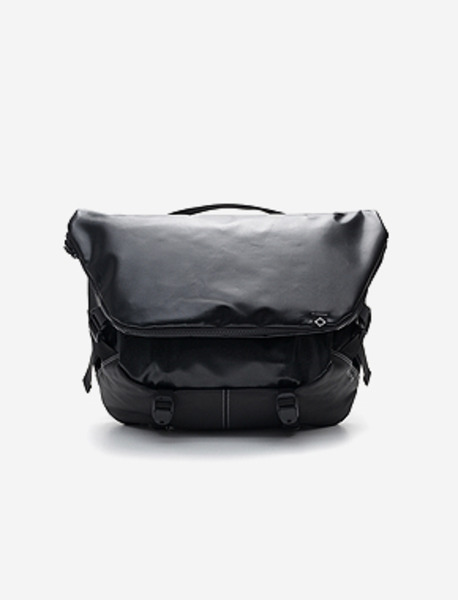 N010 MESSENGER BAG - Black(tarpaulin) brownbreath