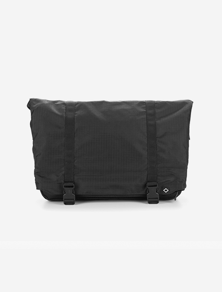 N041 CIVITAS MESSENGER BAG - BLACK brownbreath