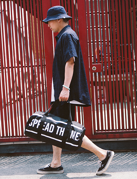 SLOGAN M.DUFFLE BAG - BLACK brownbreath