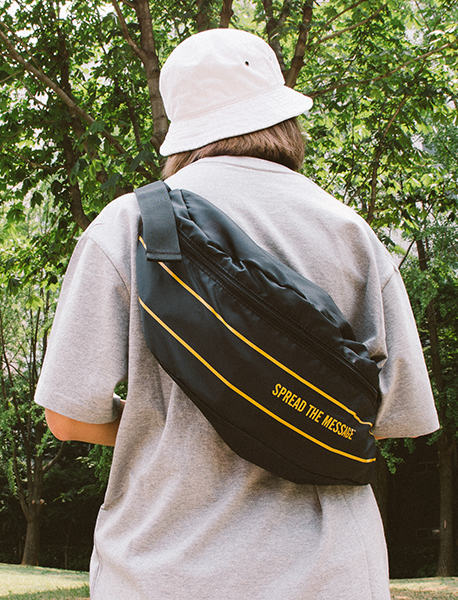 SLOGAN M.WAIST BAG - BLACK brownbreath