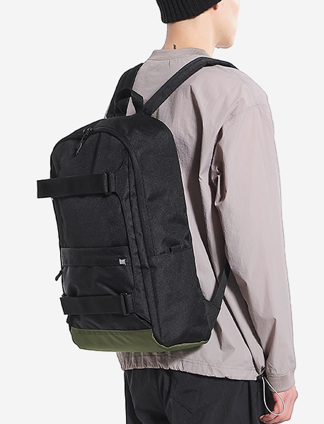 DEFS SIMPLE BACKPACK  - BLACK brownbreath